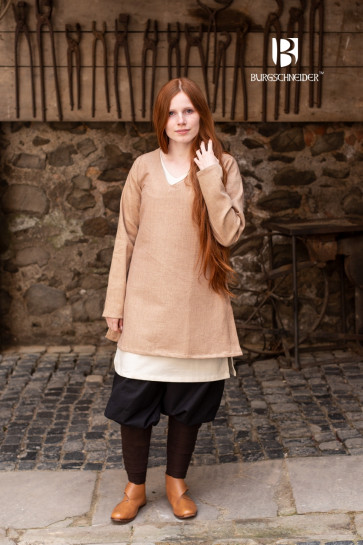 Shieldmaiden Tunic Frekja sand colored