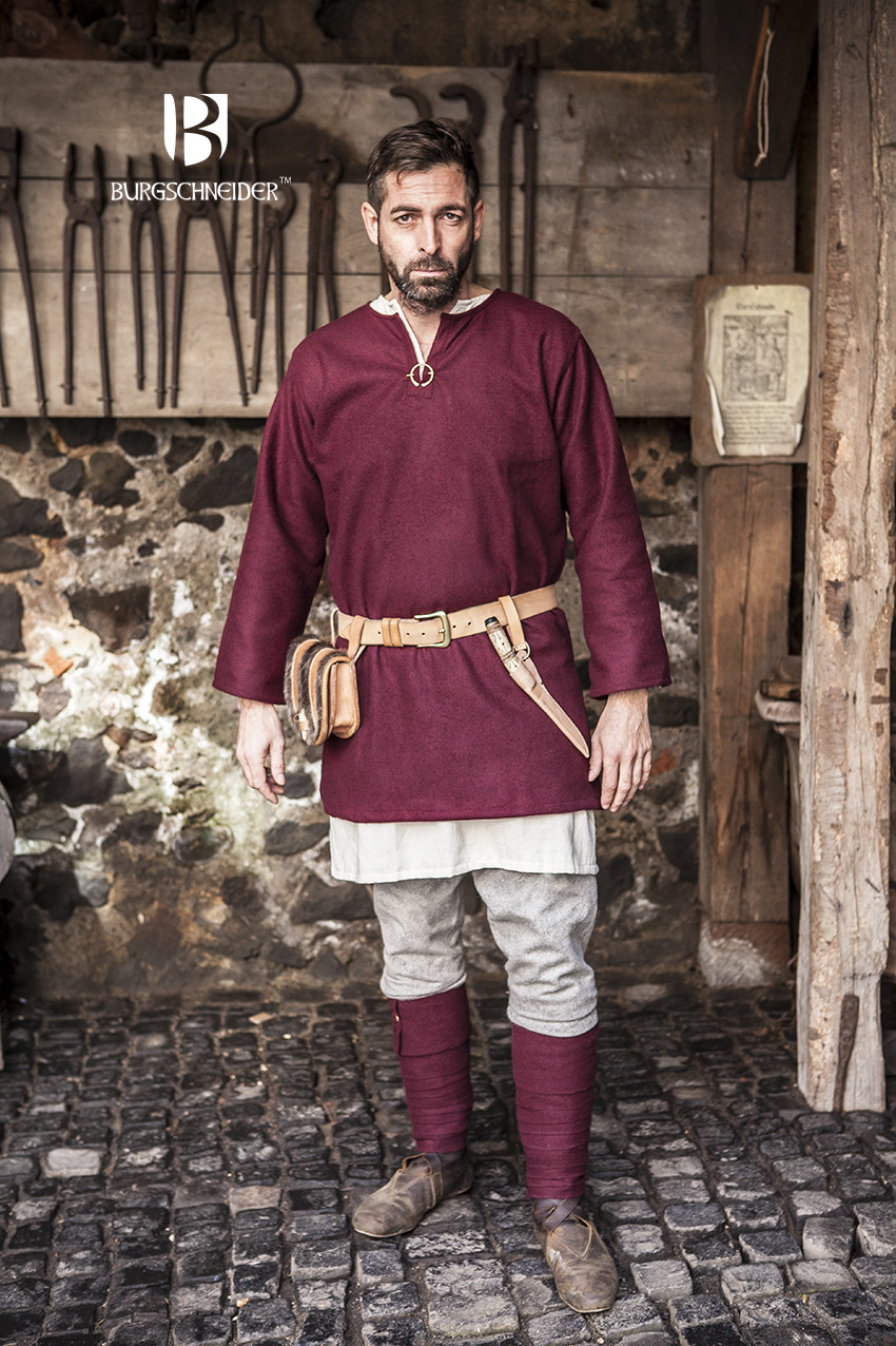 Red from Burgschneider Medieval Tunic Viking Wool// Larp