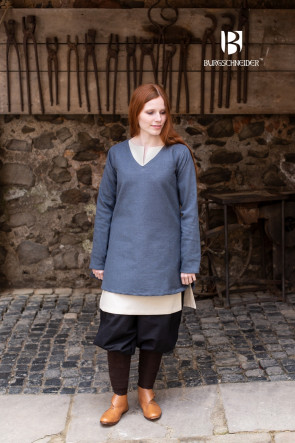 Frekja tunic for shielmaiden